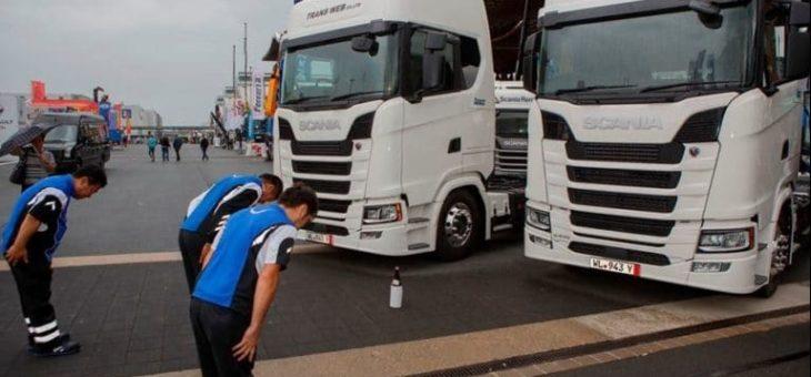 Японские дальнобойщики гонят фуры через всю Россию, чтобы сделать свою профессию престижной