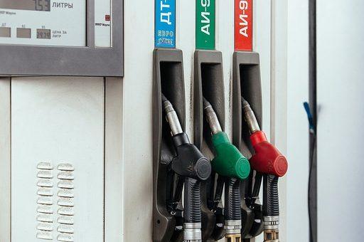 Быстрее всего в России топливо дорожает в Иркутской области