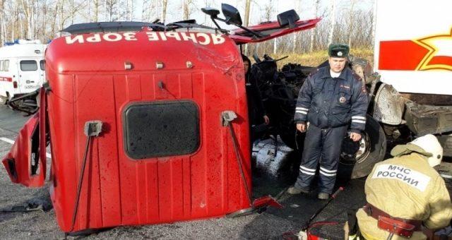 Удар был такой силы, что кабину оторвало от тягача