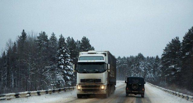 Опоры стонут под колесами: выстоят ли сибирские мосты под большегрузами