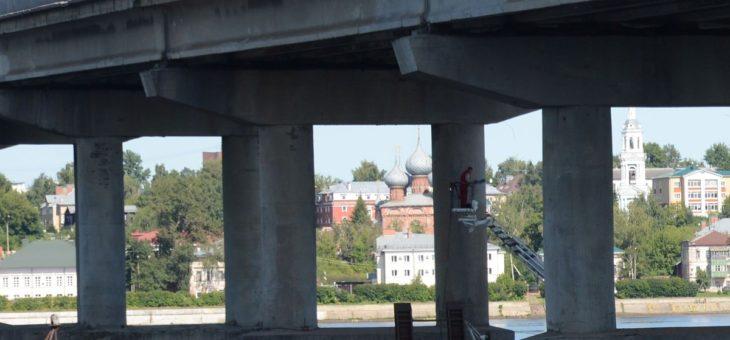 Отремонтированный за 710 млн костромской мост снова разрушается